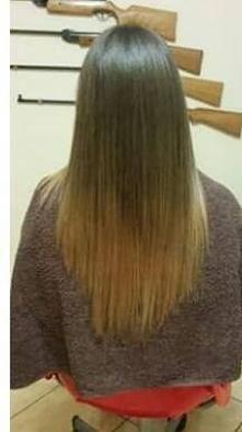 Pomóżcie!!!! Jak odświeżyć ombre? Czy mogę nałożyć farbę od razu na to ombre czy najpierw trochę rozjaśnić i potem farba?? I jaki kolorek żeby włosy były bardziej karmelowe ?