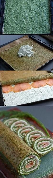 Rolada szpinakowa z łososiem Składniki 200g łososia wędzonego 4 jajka 450g mr...