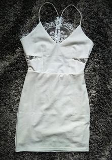 Cena 100zl + koszty wysyłki 20zl Sukienka jest nieużywana, nowa, raz zmierzon...