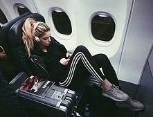 Pielęgnacja skóry podczas lotu samolotem - LINK W KOM!