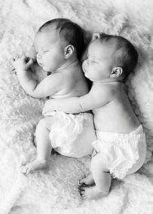 Dzieciństwo jest dobre dlatego, że każdy dzień zaczyna życie na nowo, bez cię...