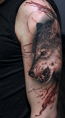 Tattoo bloody wolf