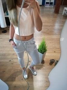 krótki pudrowy top na ramiączkach z dresowymi spodniami GREY idealne na wiosnę i chłodniejsze lato :) zachęcam do zakupów