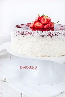 Tort truskawkowy z galaretką