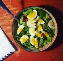 Kolacja: satalka z jajkiem,...