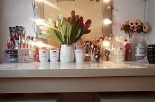 Moja toaletka z Ikei.Blat ozdobiłam okleiną marmurową.Wpadnijcie na bloga, ab...