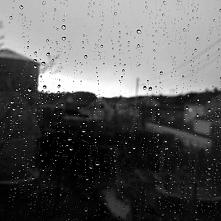 """kwiecień 2017  ,, Lubię deszcz, bo pada na wszystkich jednakowo """"  J.R. ..."""