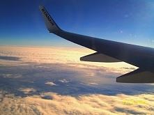 ... numer 5 :) To wydarzenie sprawi, że mama zapamięta ten dzień na bardzo długo!Pierwszy lot samolotem, ale dokąd? Do Zakopanego! W nasze przepiękne góry :)