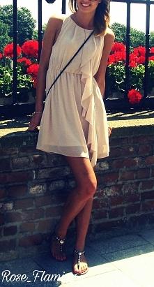 pierwsze promyki słonka złapane ;-) sukienka H&M ♡
