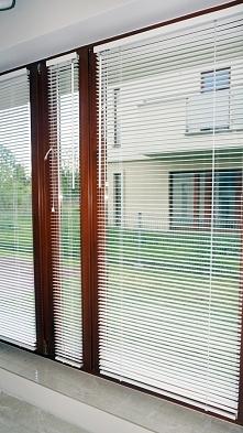 Białe żaluzje drewniane 25mm - inwestycja w domu Pani Ani :)  Zobacz więcej na: FB: Nasze Domowe Pielesze IG: domowe.pielesze