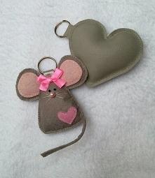 Ręcznie szyte breloki do kluczy.. Fb: Moni Handmade Ig: @recznerobotkimoni