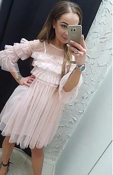 Cudowna sukienka z tiulem b...