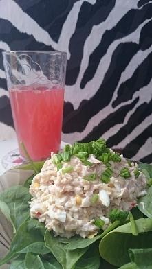 Drugie śniadanie :) sałatka...