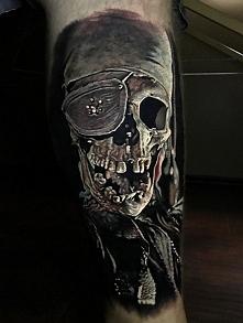 czaszka tatuaż pirat