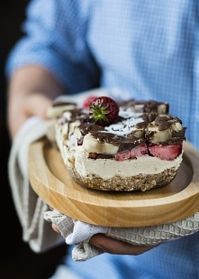 Ciasto bananowo-truskawkowe...
