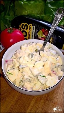 Wyrazista w smaku sałatka z sosem musztardowo-chrzanowym