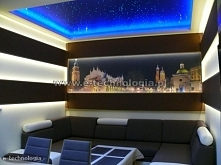Na suficie salonu zastosowano zestaw Galaktyka firmy E-Technologia.  Tel: 668...