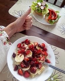 Śniadanko we dwoje :) jagod...