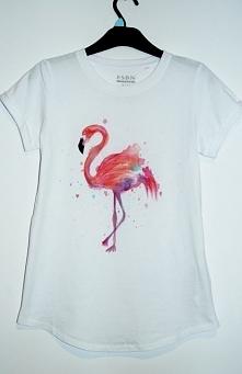 Flaming malowany metodą watercolor :)Użyte Farby są odporne na spieranie.