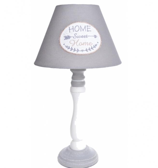 Lampa nocna stołowa Home Sweet Home 42 cm  - szaro-biała. Podstawa drewniana w kolorze biało-szarym. Klosz do lampy z materiału - w kolorze grafitowo-białym z napisem Home Sweet Home. Kabel do lampy czarny ok 1 m.