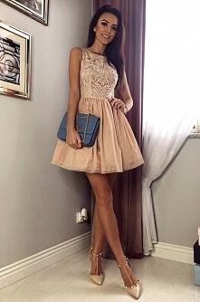 Sukienka nude z cudowną gipiurą Illuminate <3 <3 <3