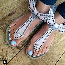Piękne zadbane stopy oraz ł...