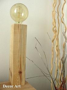 sprzedam lampkę ręcznie wykonaną, wymiary; podstawa lampki 8,5 x 8,5 cm wysok...