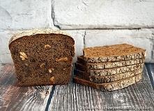 Żytni chleb razowy z prażon...