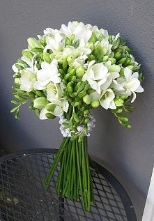 Frezje - kwiaty idealne na bukiet ślubny