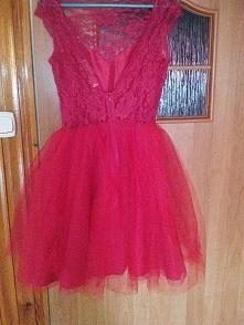 sprzedam sukienke sugarfree taylor rozmiar xs kolor czerwony. 150 zł, odbiór ...