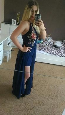 wspaniała sukienka