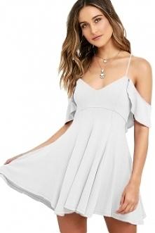 Sukienka w cenie 89,99 zł bialutka śliczna :) mohho.pl