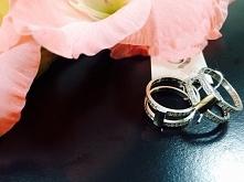Niesamowity pierścionek ze ...