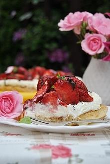 Ciasto francuskie z truskawkami (przepis po kliknięciu w zdjęcie)