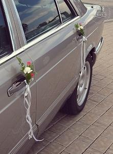 delikatna dekoracja samochodu