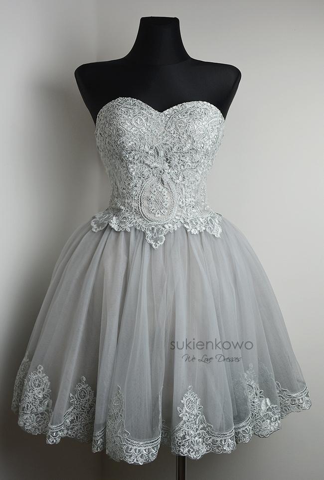 Dziewczyny jakie buty do takiej sukienki? I macie pomysły na jakieś dodatki? :)