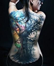 tatuaże damskie piękne drzewo