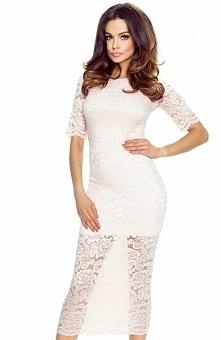 Bergamo 60-02 sukienka pastelowy róż Efektowna sukienka z koronki zdobionej kwiatowym wzorem, idealnie dopasowana do sylwetki