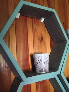 Pomysłowa półka heksagon z litego drewna