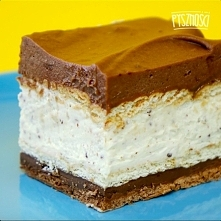 Domowe ciasto Kinder Bueno bez pieczenia