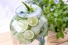 Letni detox: napój na upały i płaski brzuch.