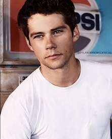 who love Dylan O'Brien?! <3