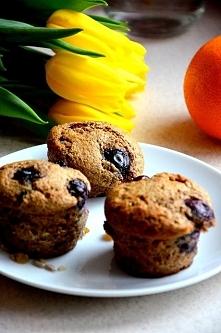 Ekspresowe razowe fit muffiny z borówkami