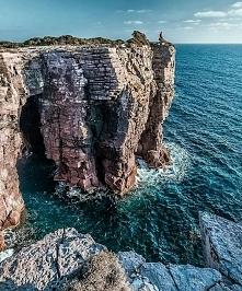 Wyspa San Pietro, Włochy. Aż chce się tam pojechać i pobyć samemu ze sobą.