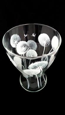malowane dmuchawce na wazonie szklanym. handmade