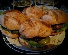burgery domowej roboty:)