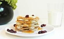 Pancakes z miodem i bananem