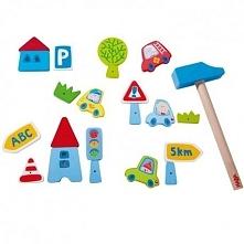 Witajcie w poniedziałek:)   Będziemy przybijać z wykorzystaniem niemieckiej technologii, przeznaczonej już dla 3 latków, z pomocą młotka i gwoździ, elementy do korkowej tablicy....