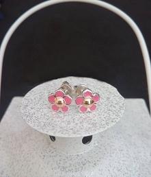 Co powiecie na kolczyki w kształcie kwiatków? Posiadamy różne kolory =) Model...