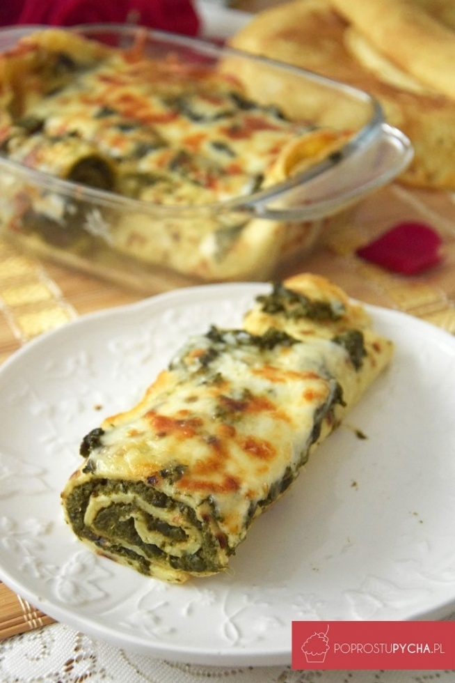 Zapiekane naleśniki ze szpinakiem i fetą pod kołderką z mozzarelli